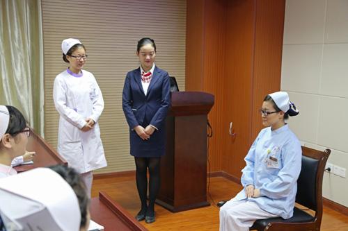 院举行护士职业礼仪规范培训活动