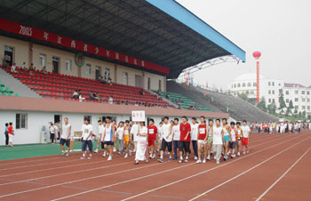 江西省少年田径比赛在我校隆重举行
